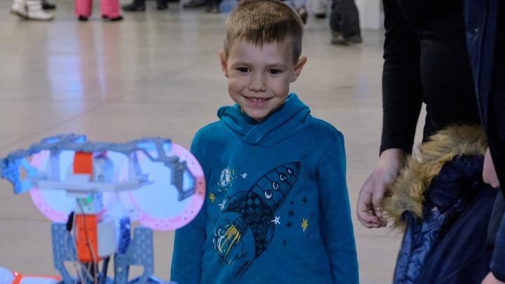 Раз — и готово: всего за два часа дети познакомятся с программированием и научными новшествами
