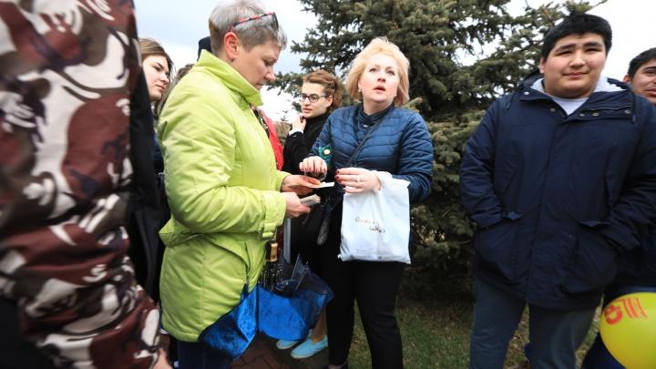 Первомай в Красноярске: показываем яркие, курьезные и странные моменты праздника