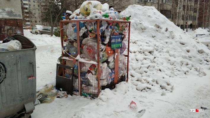 Тюменские полицейские повторно проверят мусорного регоператора из-за пропавших сеток для пластика
