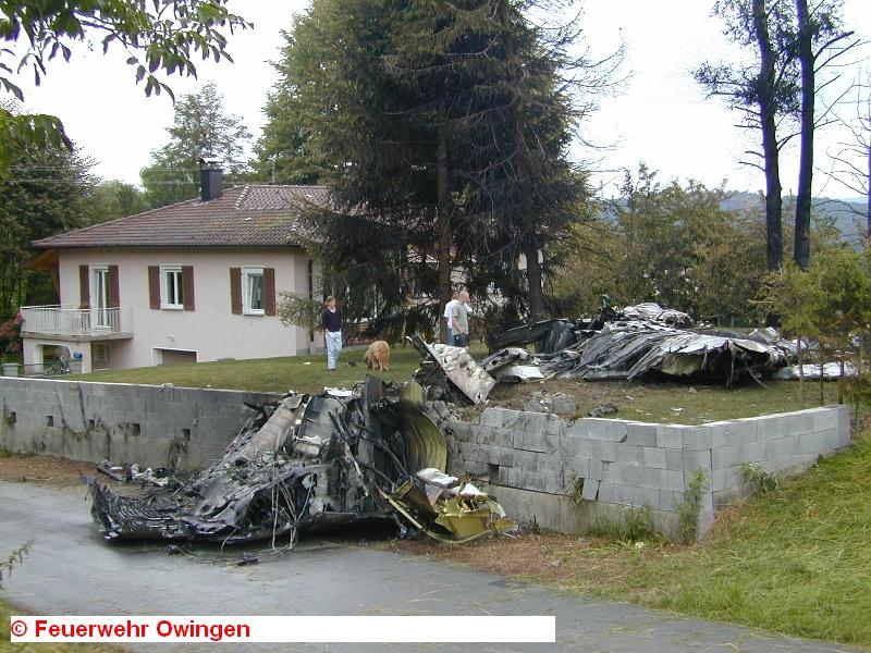 Горящие обломки самолетов падали рядом с жилыми домами