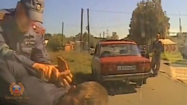 Пьяный водитель устроил погоню с аварией и побегом