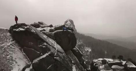 Красноярец сделал эффектное селфи на вершине «Столбов» с квадрокоптера