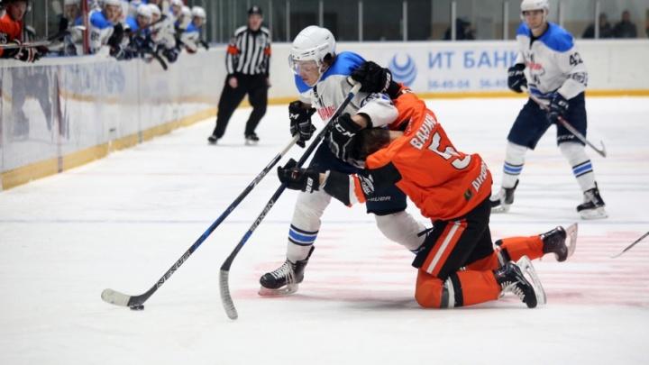 После ухода тренера Звягина хоккейный клуб «Зауралье» проиграл «Ермаку» из Ангарска
