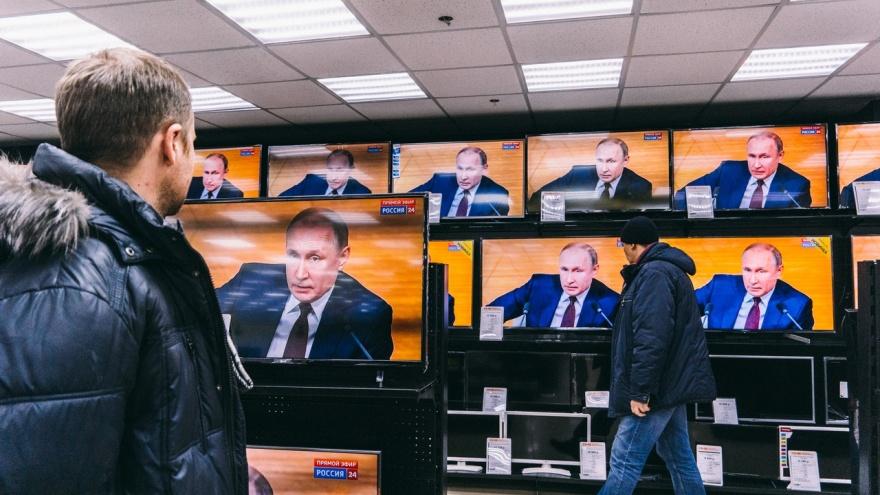 Путин, Путин и «Канцелярская крыса». Что смотрели омичи по ТВ в прошлом году