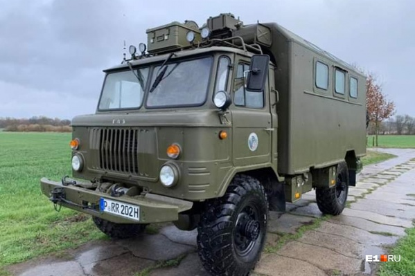 Мужчины из Германии путешествуют на ГАЗ-66