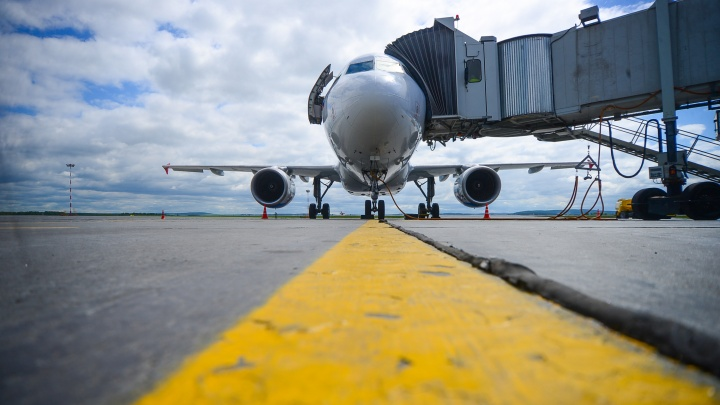 В Екатеринбурге вынужденно сел самолет из Казани из-за того, что пассажиру стало плохо