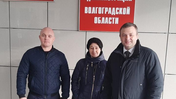 «Я выполнил работу на отлично, а меня уволили»: тренер чемпионов из Волгограда ищет справедливости у чиновников.