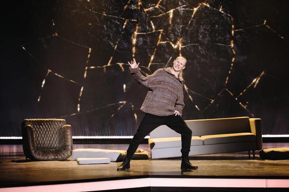 Кирилл Цыганов в танце самовыражается