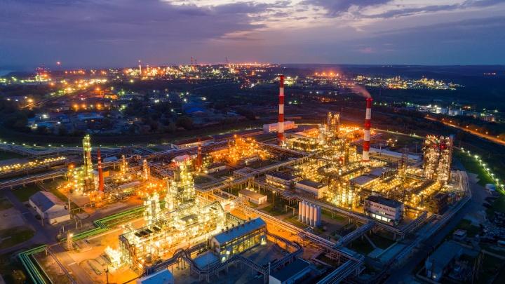 Город посреди мегаполиса: разглядываем фотографии башкирской нефтянки