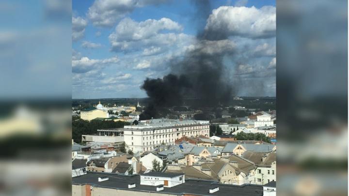 Назвали причину крупного пожара в центре Ярославля: почему загорелся«Волков-плаза»