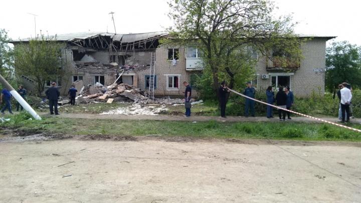 Двое погибли при взрыве дома в Каменском районе: следим за ситуацией в режиме онлайн