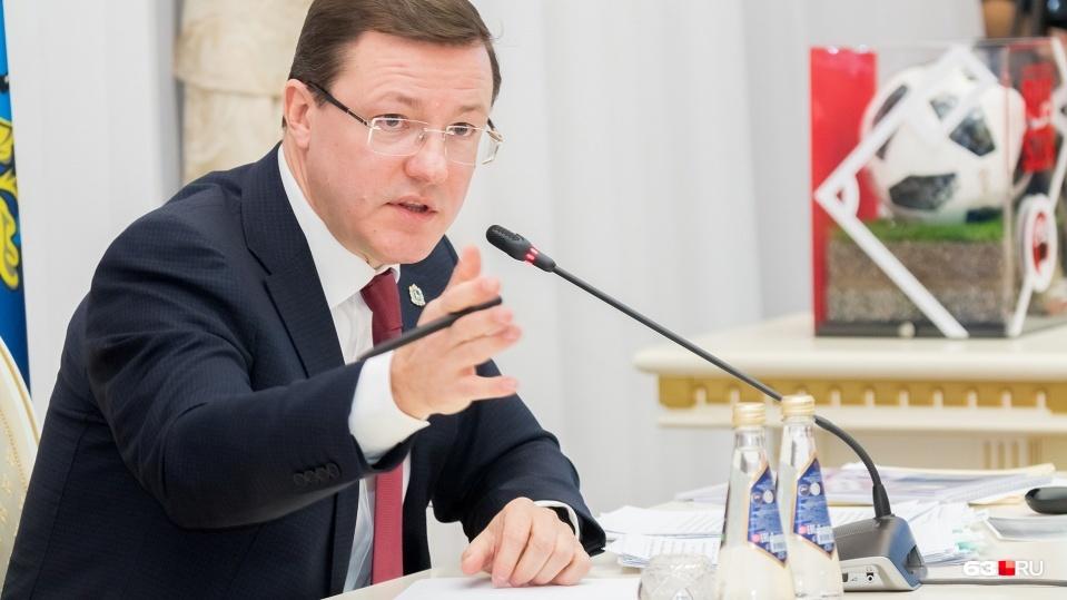 Дмитрий Азаров сообщил, что двойных квитанций не будет