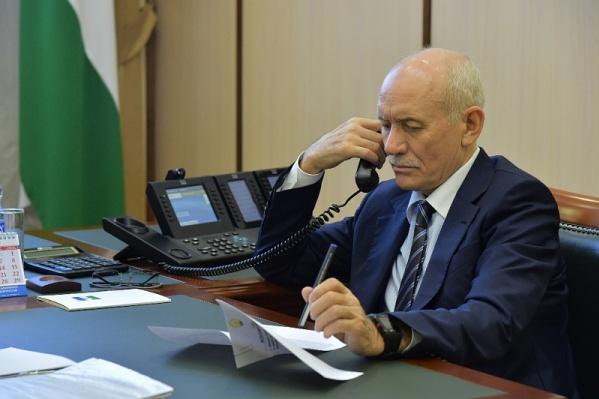 Рустэм Хамитов поручил Правительству республики разобраться с проблемами жителей
