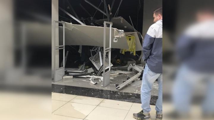 Миасский ТРК «Слон» возобновил работу после обрушения потолка