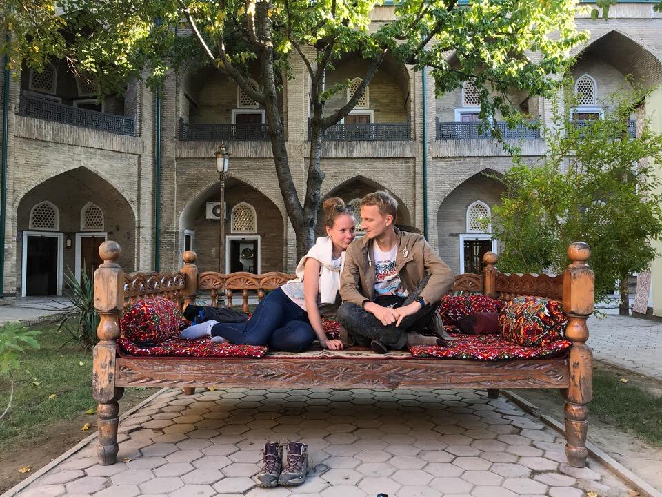Красочный Ташкент и ребята в нём