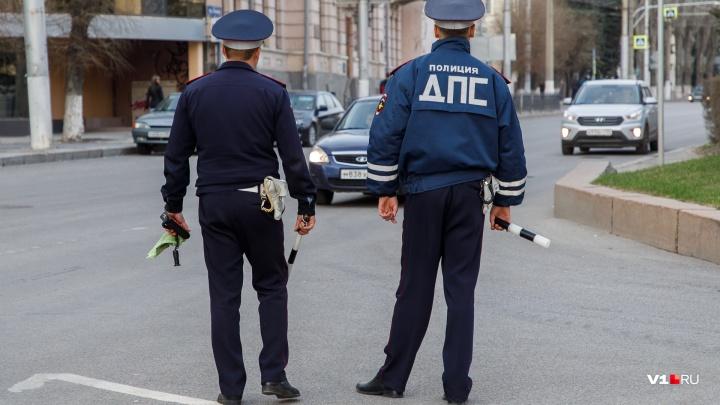 В центре Волгограда пожилой москвич сбил пешехода и скрылся