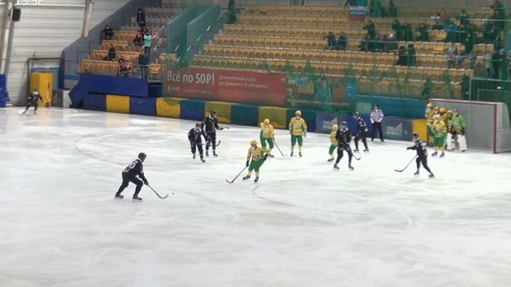 «Водник» сыграл вничью с «Кузбассом» в матче чемпионата России по хоккею с мячом