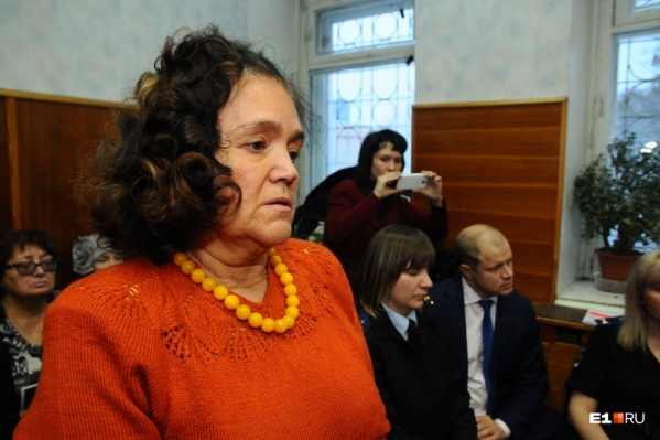 Зиля Булатова враждует с бардом Александром Новиковым по делу «Бухты Квинс»