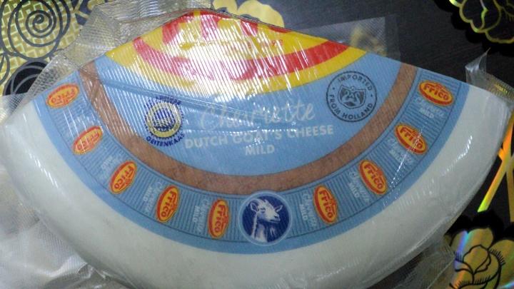 В Новосибирске сожгли 9 килограммов запрещенного сыра и одну колбасу из Испании