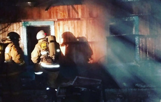 В Башкирии при пожаре в частном доме погибли четыре человека