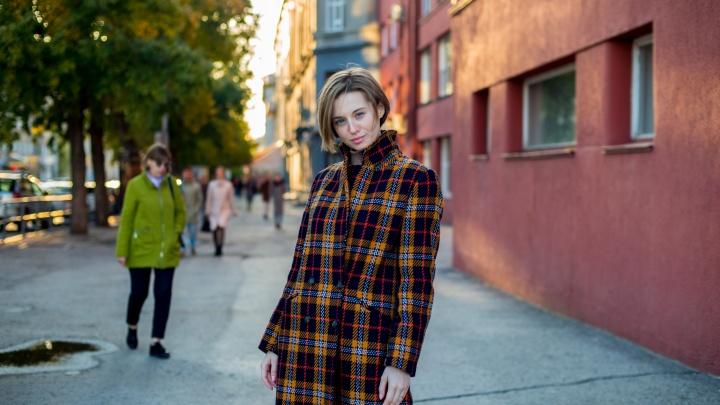 Не тетка: 7 красоток в стильных пальто о том, где купить и как носить главную вещь осени
