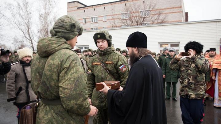Танковому институту подарили ковчег с мощами Георгия Победоносца и Фёдора Ушакова