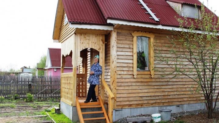 Возраст не помеха: бабушка, которая построила дом