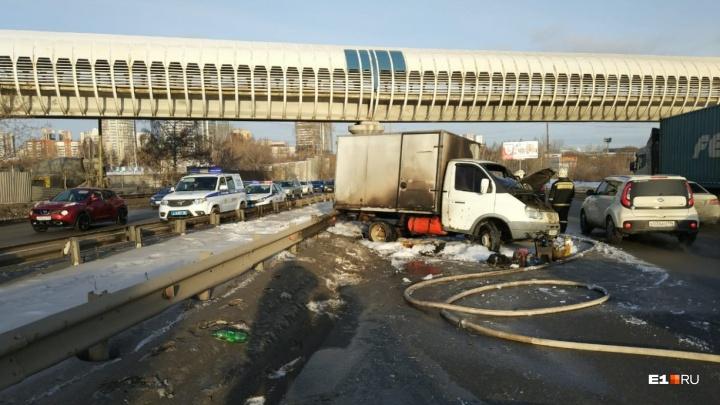 Год мытарств: уральцы, чьи машины сгорели в огненном ДТП на Объездной, получили компенсации