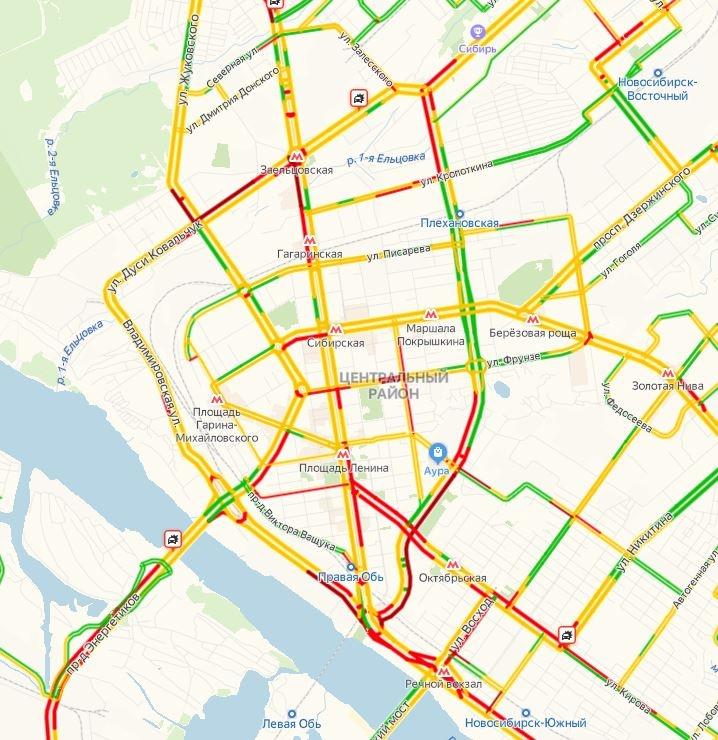 Сообщения о столкновениях появляются на карте сервиса «Яндекс. Пробки» по всему городу