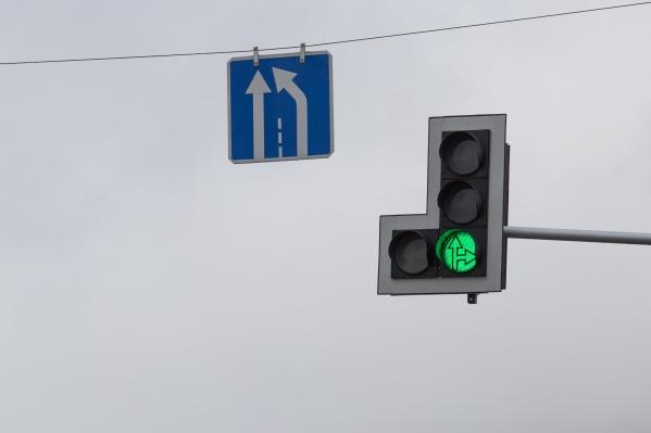 Светофоры перестали работать из-за отошедшего шлейфа