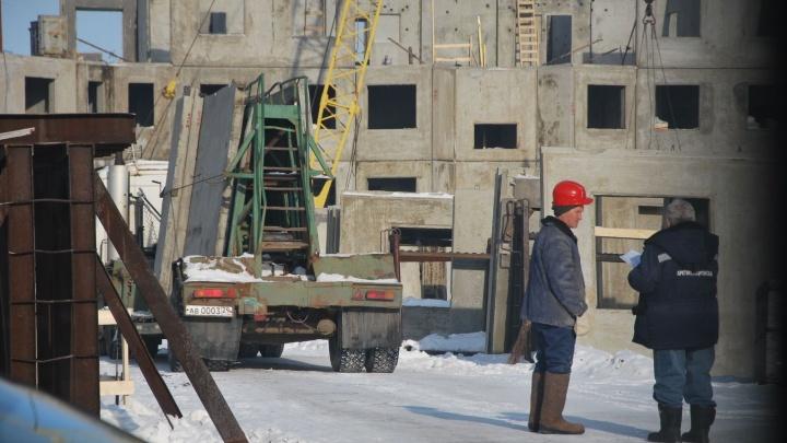 На рабочего упала свая: следователи выясняют подробности ЧП на стройке в Архангельске