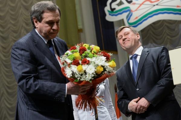 Анатолий Локоть сменил Владимира Городецкого на посту в 2014 году