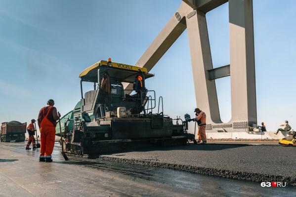 Сдать вторую очередь моста обещают в 2020 году