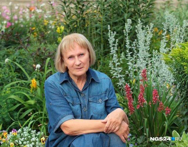 Людмила Пактуринская имеет образование биолога, поэтому отлично знает, как правильно ухаживать за растениями