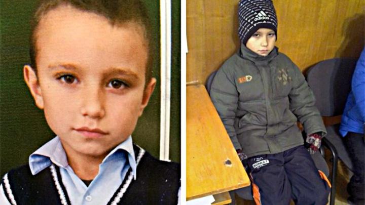 В Новосибирской области ищут двух маленьких детей — братья 5 и 10 лет ушли из дома