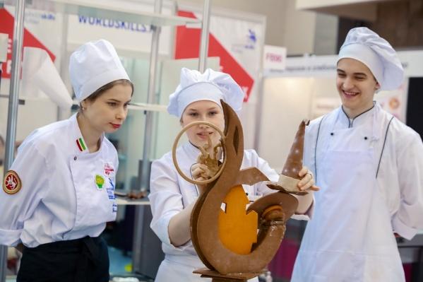 Medallion of Excellence Дарьи Мальцевой (в центре фото) на WorldSkills — общая победа хлебокомбината «СМАК» и ЕЭТК
