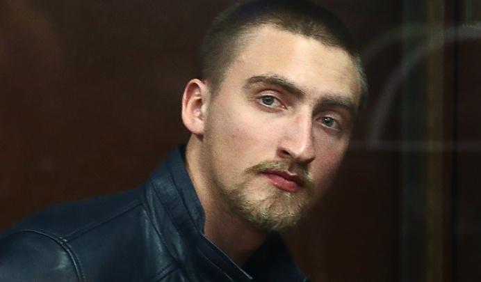 Павлу Устинову, осужденному за вывихнутое плечо росгвардейца, смягчили приговор