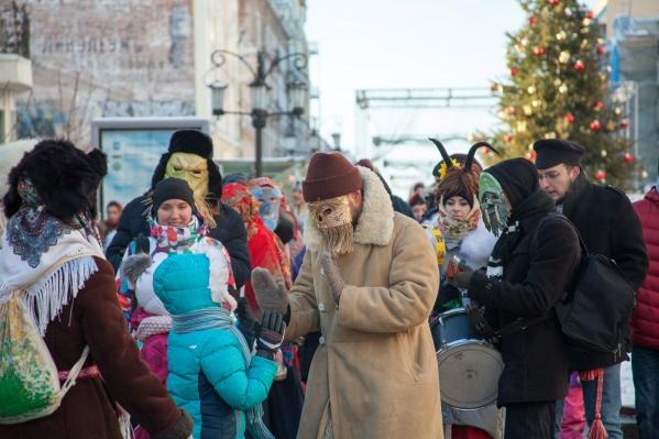 Гостей ждут праздничные костюмы и веселая программа