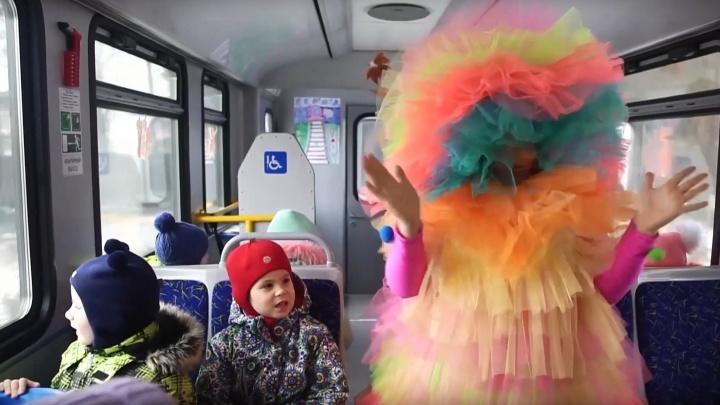 «Всё на экспромте»: челябинские железнодорожники к Новому году спели свою версию хита Басты