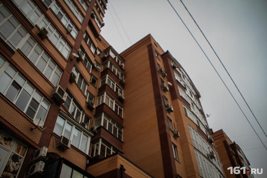 В Ростове достроили три проблемных дома, но остаются десятки недостроев
