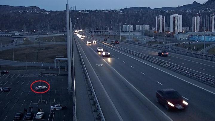 Под окнами фильм «Форсаж»: шумные заезды дрифтеров у 4-го моста выводят из себя жителей новостроек