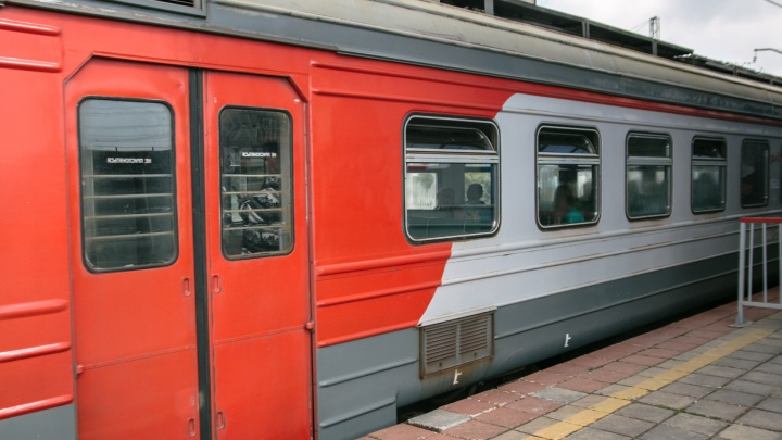 «Её снесли потоки воздуха»: в Самарской области женщина получила травму на железной дороге