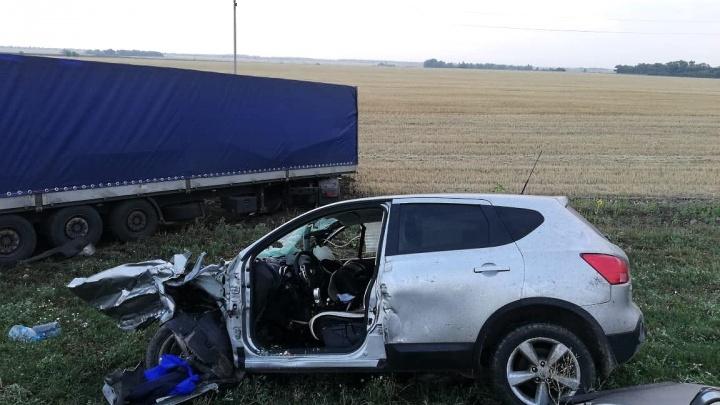 Виновник жив: водитель Chevrolet устроил тройное ДТП со смертельным исходом под Волгоградом