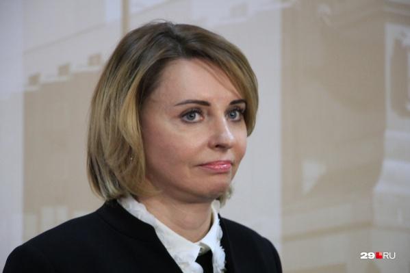 """В сентябре 2018 года Сырова <a href=""""https://29.ru/text/politics/65429251"""" target=""""_blank"""" class=""""_"""">во второй раз</a> стала спикером Архгордумы"""