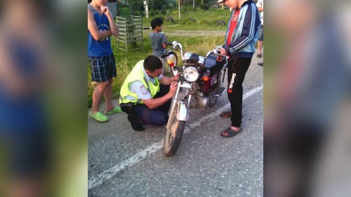 В Челябинской области подростки перевернулись на мопеде, уходя от погони ДПС