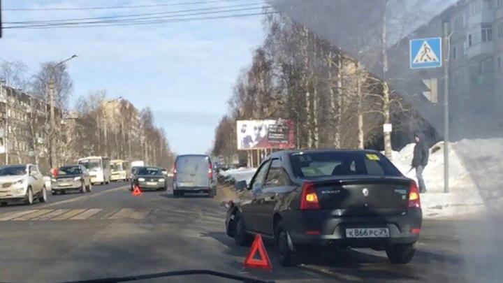Утро в Архангельске началось с двух ДТП
