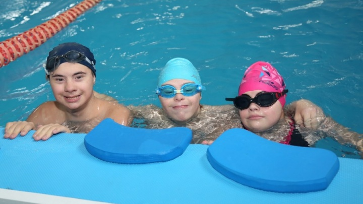 Плавание поможет подготовить «солнечных детей» к самостоятельной жизни