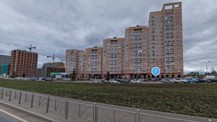 В Солнечном в квартире зарезали 20-летнюю девушку