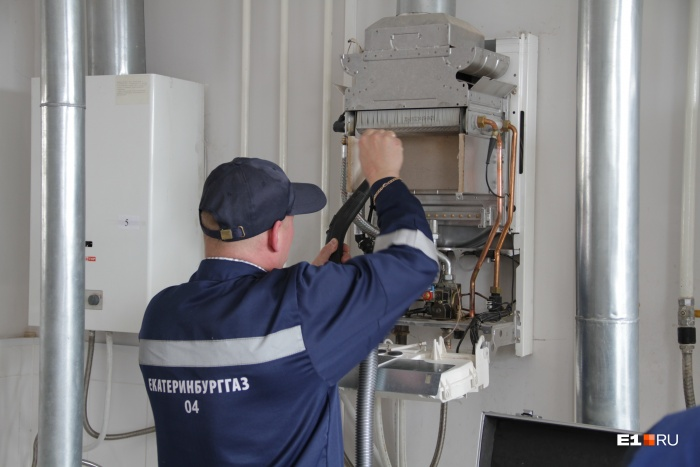 Газовики не смогли попасть в квартиру путешественницы и отключили газ