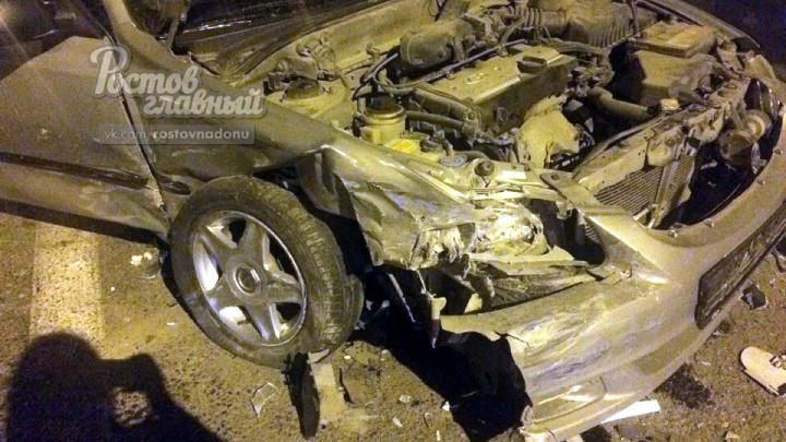 Опасный маневр: три человека ранены в аварии под Ростовом